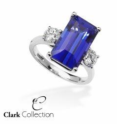A wonderful Tanzanite & Diamond Ring