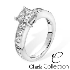 A 3.00 carat Princess Cut diamond ring crafted in Platinum.