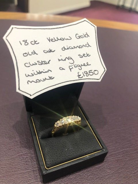 Pre-owned diamond ring